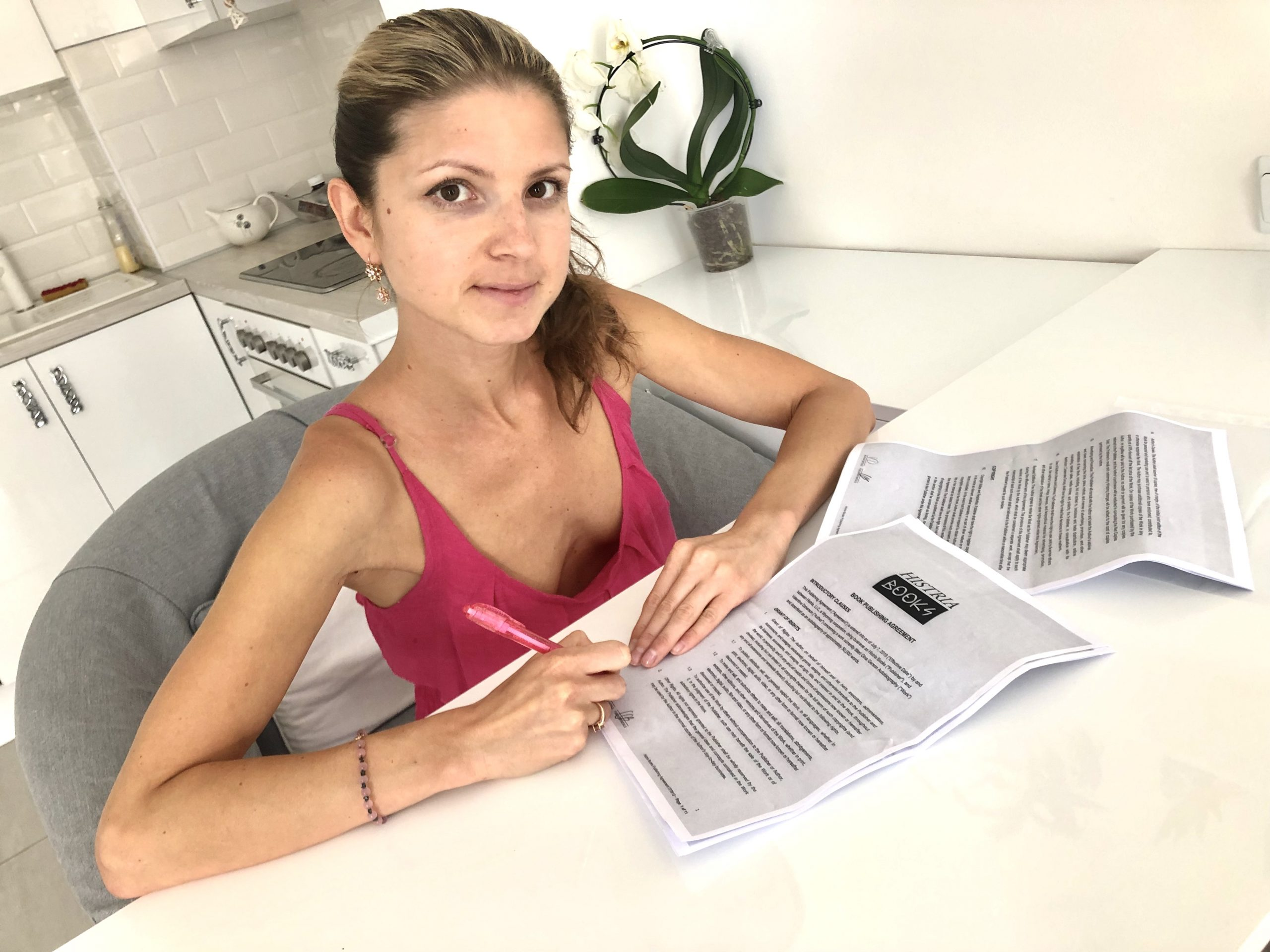 Histria Books announces signing Valentina Dzherson (Gina Gerson) to an exclusive book contract